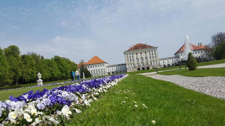 palacio y jardines